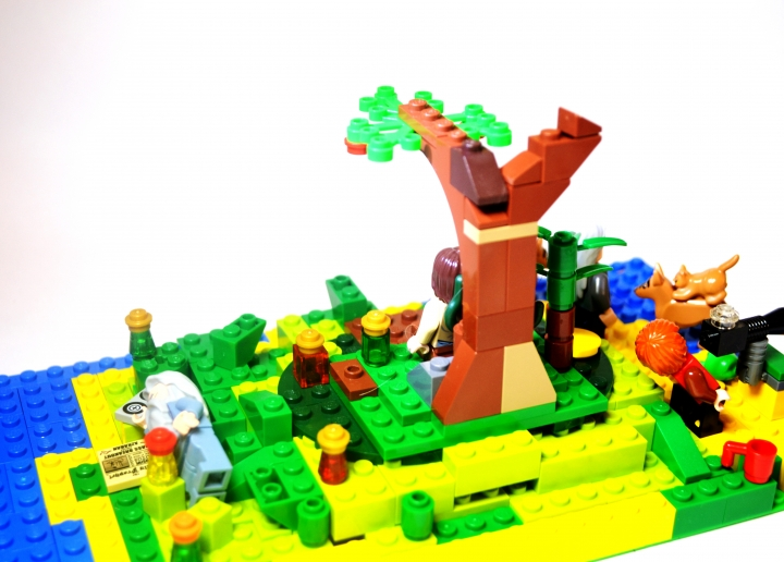 LEGO MOC - Because we can! - Discovery Island: Сзади.