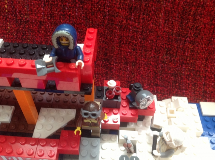 LEGO MOC - Because we can! - First expedition of NS Arktika to the North: Вид сверху ледокола ' Арктика ' .