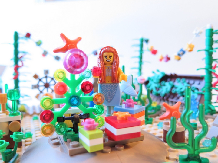LEGO MOC - New Year's Brick 2014 - Underwater New Year: Украшение водорослевой ёлки